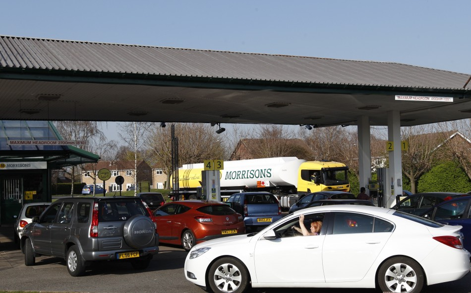 Panic buyers at petrol stations in Dorset create road traffic hazards, say police