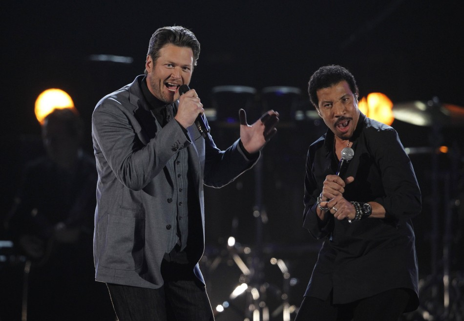 "Blake Shelton and Lionel Richie perform ""You Are"" at the 47th annual Academy of Country Music Awards in Las Vegas"