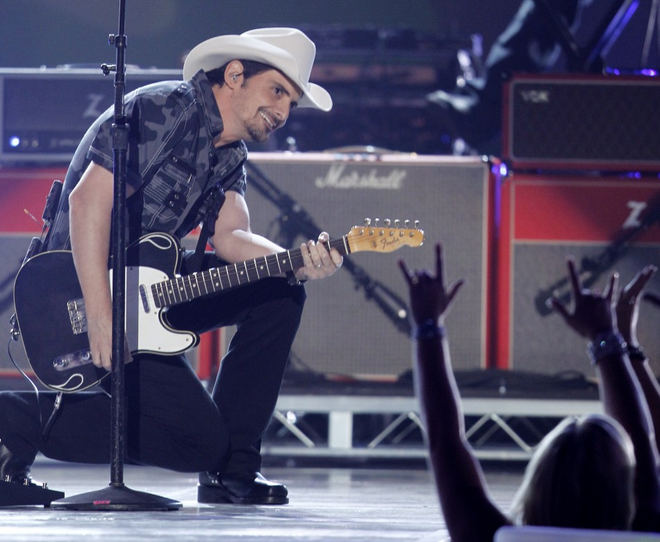 "Brad Paisley performs ""Camouflage"" at the 47th annual Academy of Country Music Awards in Las Vegas"