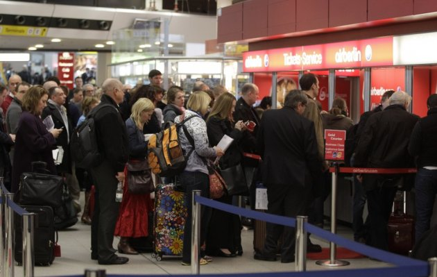 Shortage of border guards could lead to long queues at airports this Easter