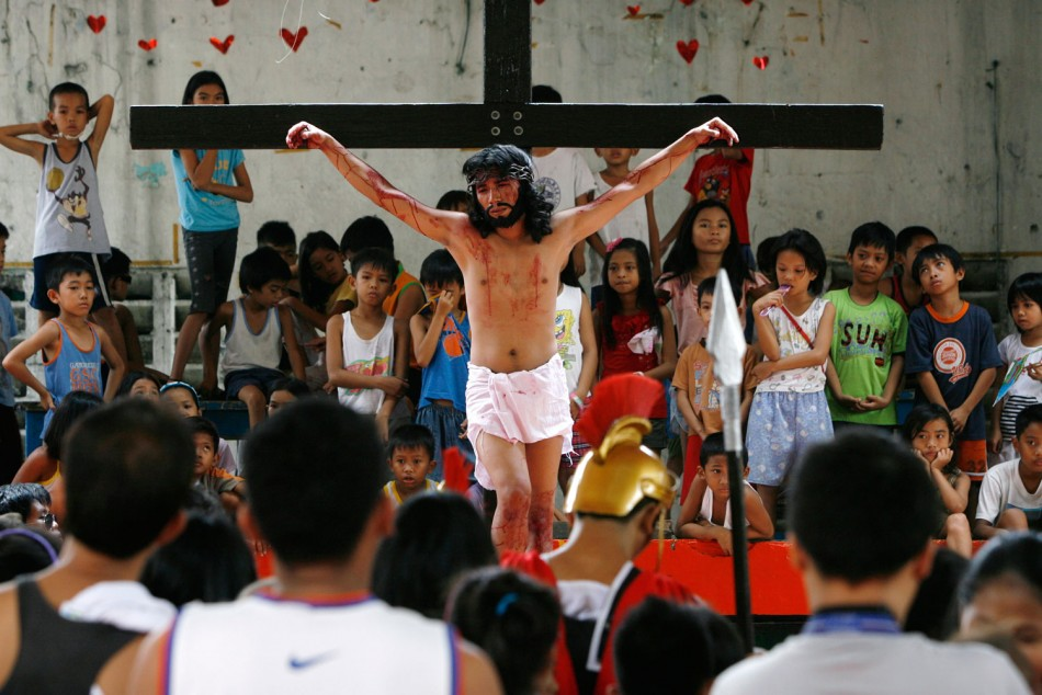 Barefoot Filipinos Perform Extreme Penitence Acts during Holy Week