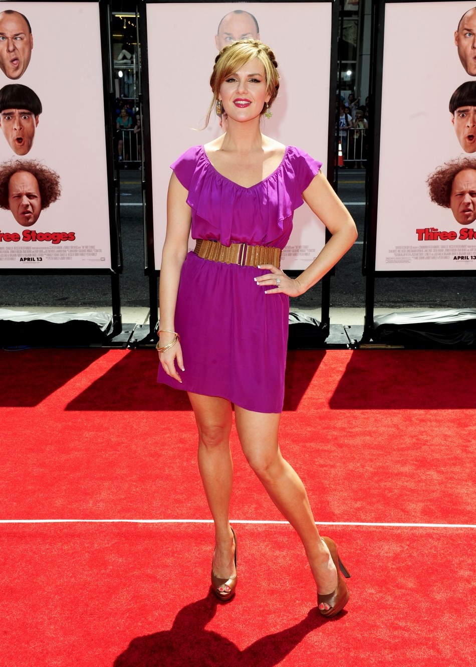 """Actress Sara Rue arrives at the Hollywood premiere of """"The Three Stooges: The Movie"""" in Los Angeles, California"""