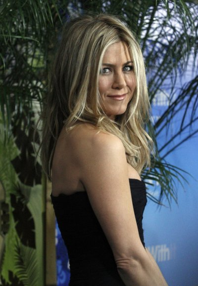Jennifer Aniston Wants Justin Theroux To Get A Nose Job