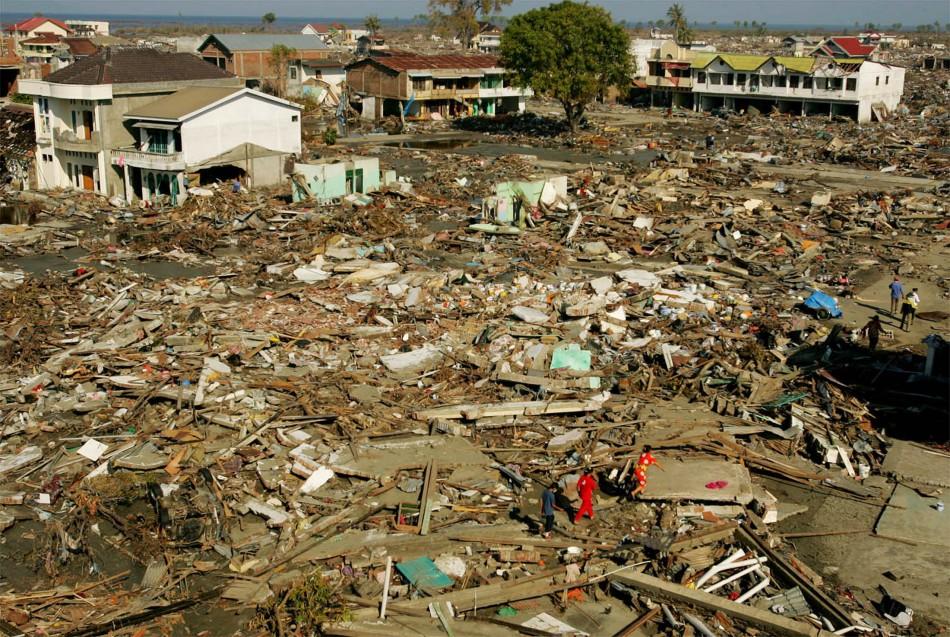 Earthquake strikes off Indonesia