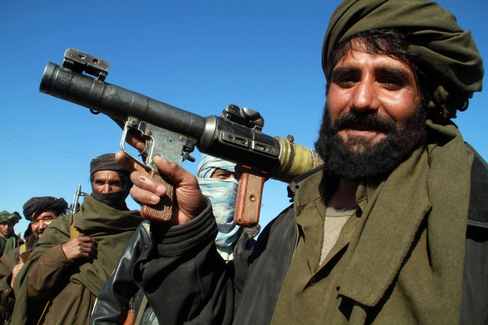 400 prisoners escape from Pakistan prison