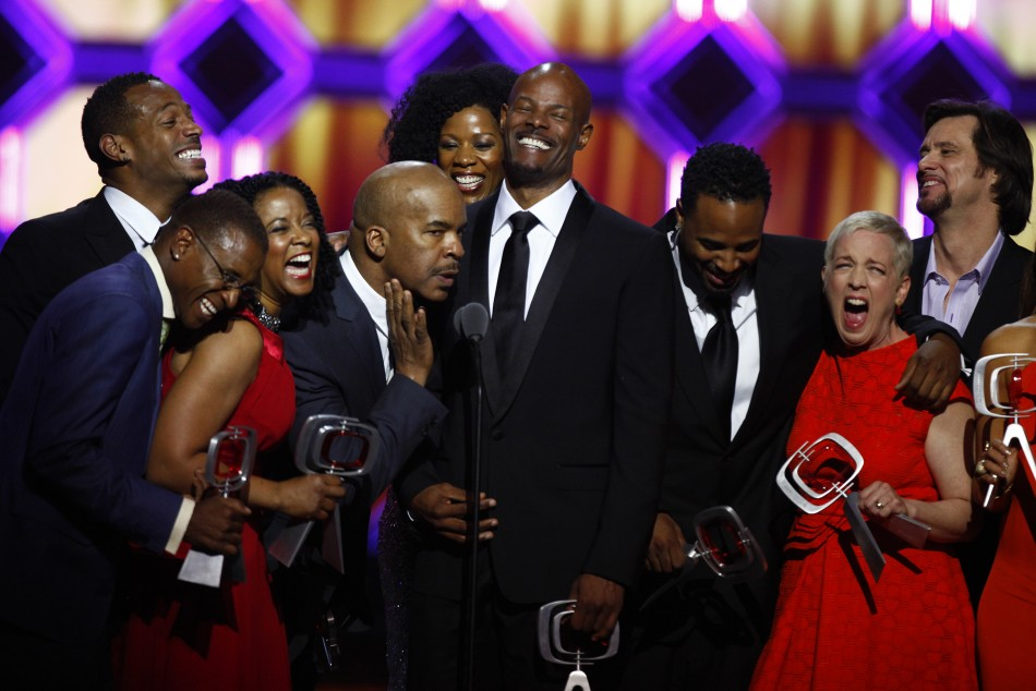 Grier, Kim Wayans, Keenen Ivory Wayans, Shawn Wayans, Kelly Coffield Park and Jim Carrey of the show In Living Color accept an award during the 10th Anniversary TV Land Awards in New York