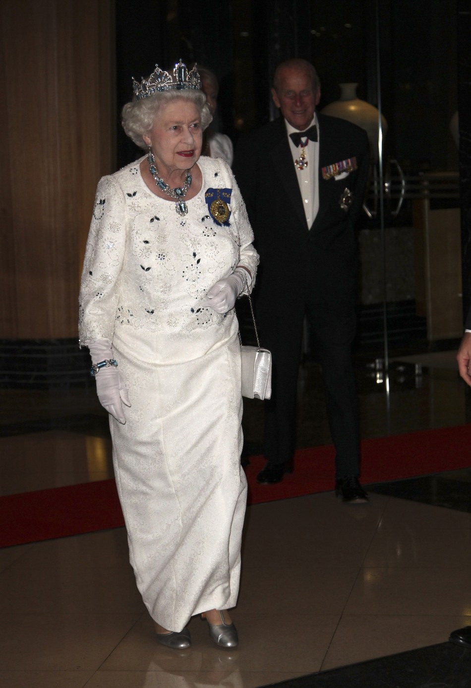Britains Queen Elizabeth II arrives at Governors Palace in Williamsburg