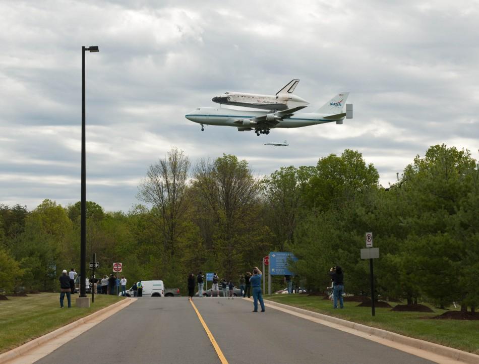 Discovery mounted atop a NASA 747 Shuttle