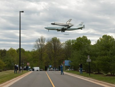 Discovery mounted atop a NASA 747 Shuttle