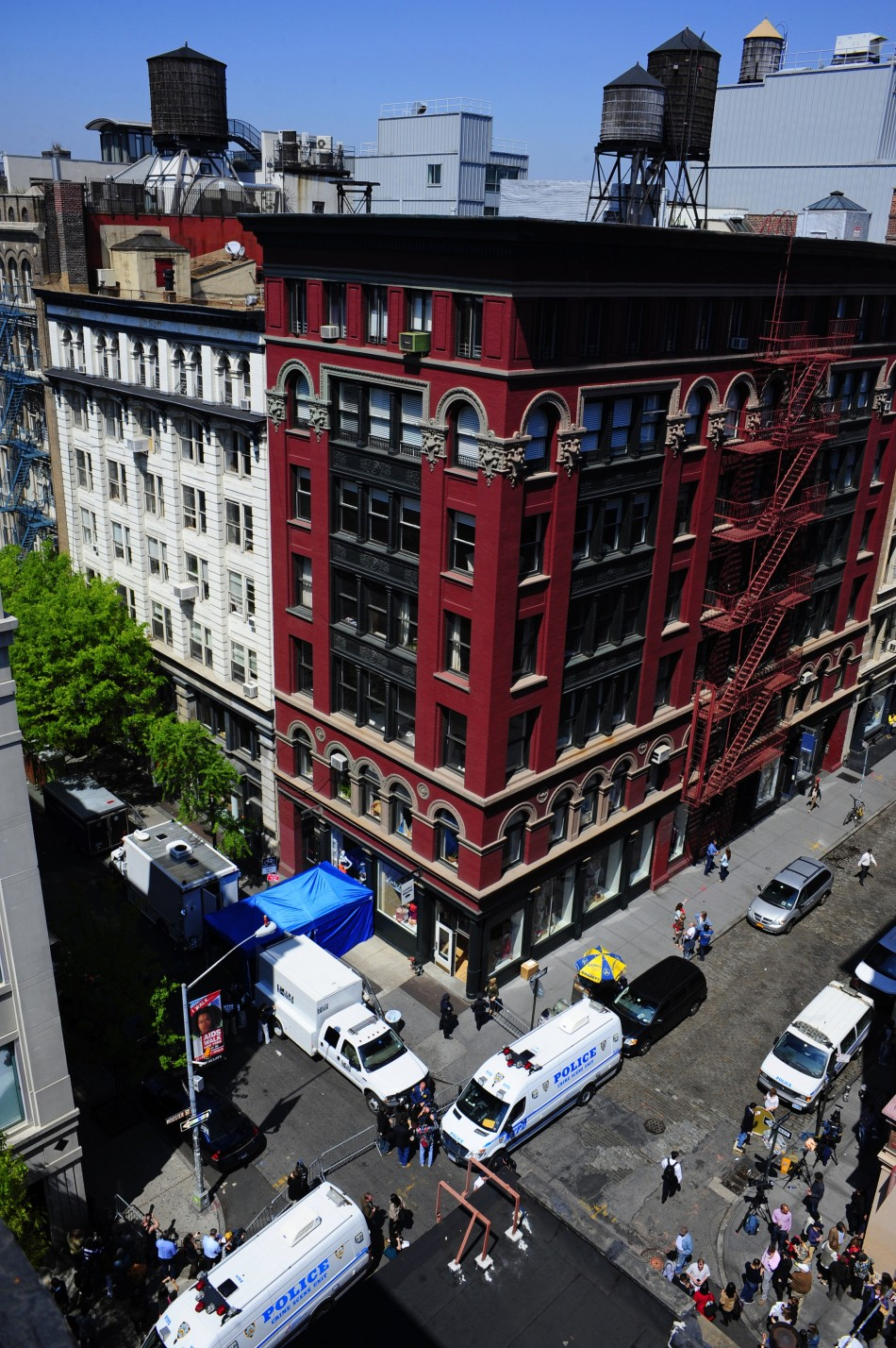 New York City apartment building where FBI agents and New York City Police were searching a basement for clues in the 1979 disappearance of Etan Patz