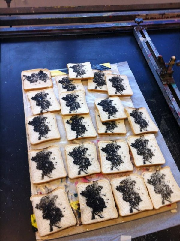 Queen on Toast : Sussex students create Queens image on toast