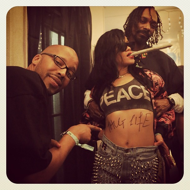 Snoop Dogg, Warren G, and Rihanna