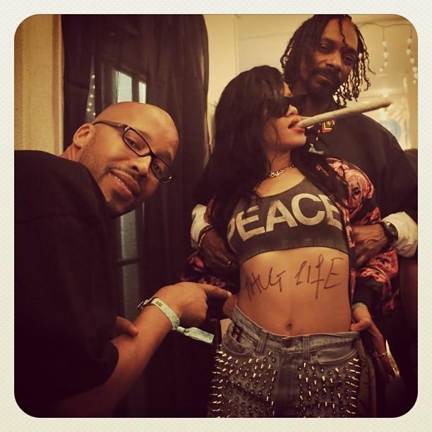 Snoop Dogg, Warren G, and Rihanna