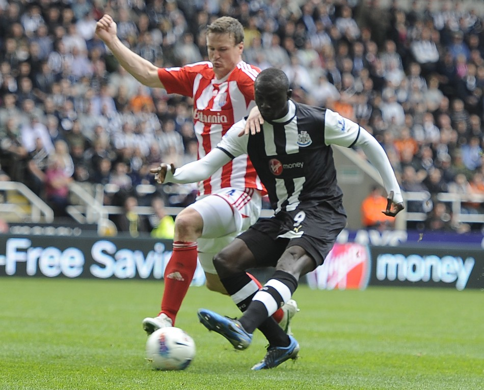 Newcastle United039s Cisse shoots to score against Stoke City during their English Premier League soccer match in Newcastle