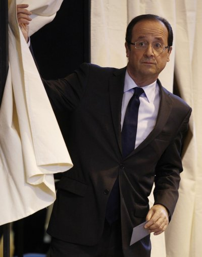 Francois Illas New Tradition: French Begin Voting; Socialist Hollande The Favorite [PHOTOS]