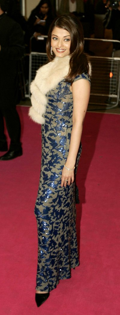Indian actress Aishwarya Rai arrives for UK premiere of Bride  Prejudice at Londons Palladium 2004