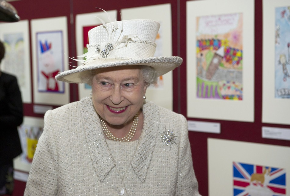 Queen Elizabeths Diamond Jubilee Tour in Wales Protested by Anti-Monarchists