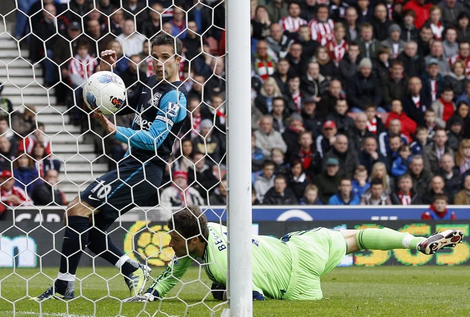Robin van Persie Scores for Arsenal