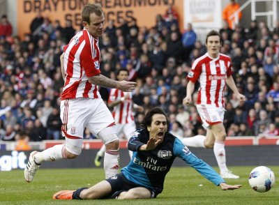 Yossi Benayoun Appeals for a Penalty