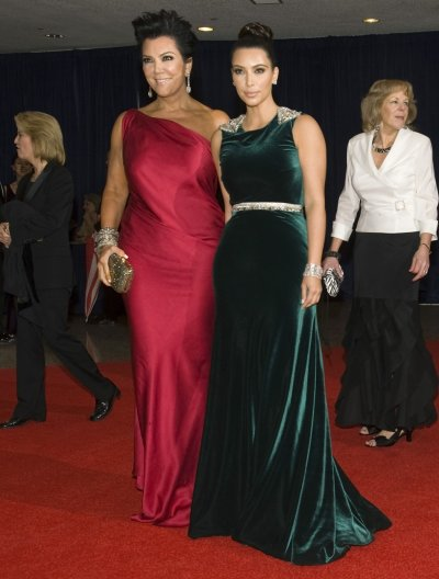 Socialite Kris Jenner L and her daughter Kim Kardashian