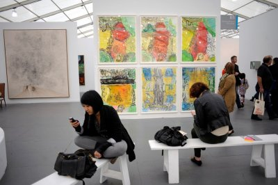 Londons Contemporary Frieze Art Fair Arrives in New York