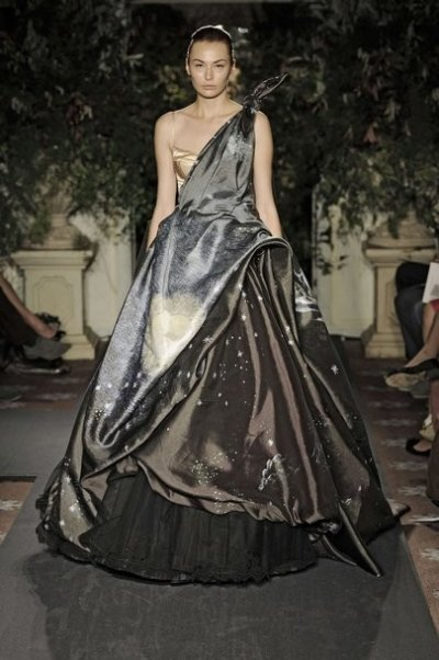 VA Ballgowns to Showcase Exclusive Red Carpet and Catwalk Creations
