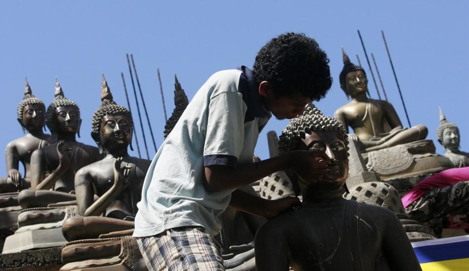 Buddha idols in Sri Lanka