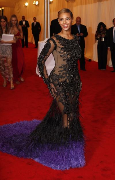 Beyonce Sexiest mom