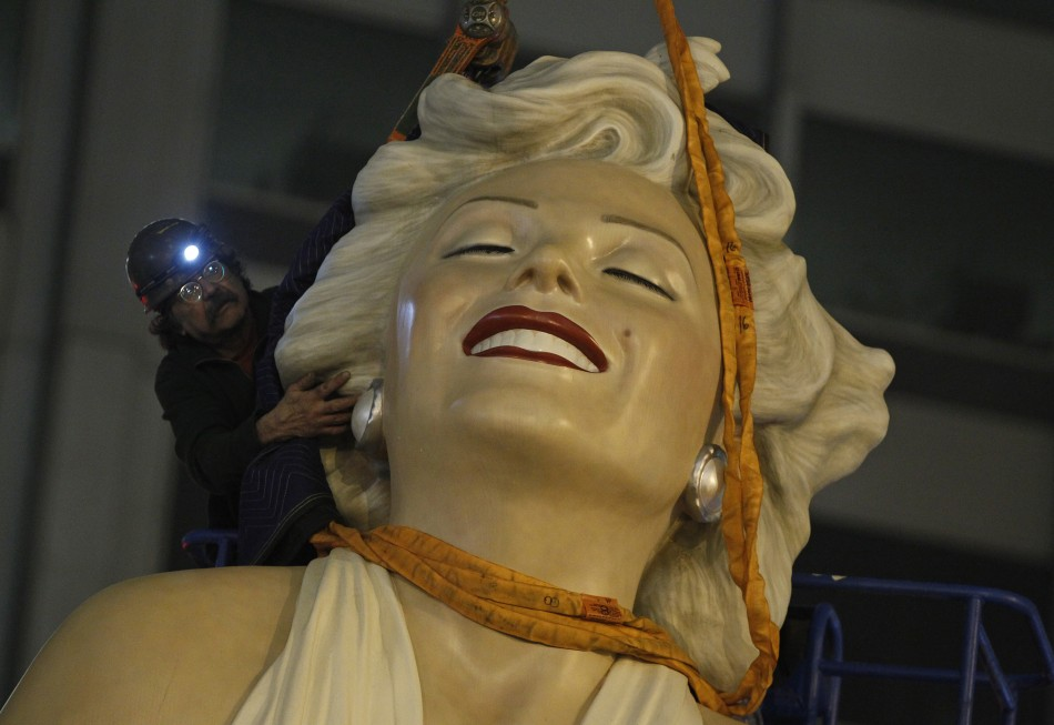 Marilyn Monroe Tommy Gun: Forever Marilyn Leaves Chicago: Next Destination