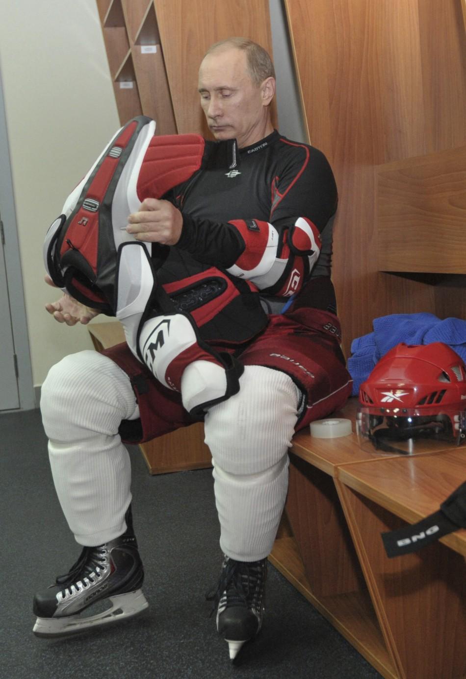 Putin hockey match