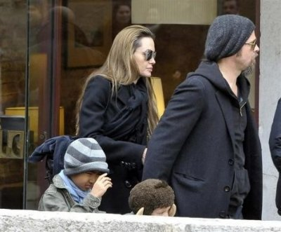 Mothers Day 2012 Madonna, Angelina Jolie and Other Celebrity Moms With their Children
