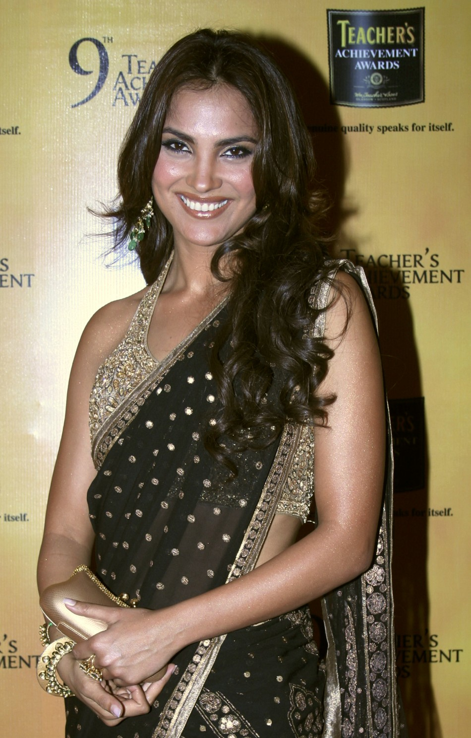 Bollywood actress Lara Dutta poses for a picture during the Teacher's Achievement Awards ceremony in Mumbai Nov. 7, 2009. REUTERS/Manav Manglani