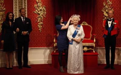 Queen Elizabeth Waxwork