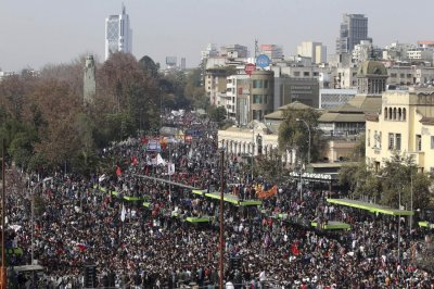 Protesters gather in Santiago