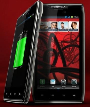 Motorola Razr Maxx vs HTC One X: Which One Would You Buy?