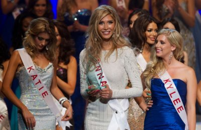Sahar Biniaz Crowned Miss Universe Canada 2012, Transgendered Contestant Loses Competition