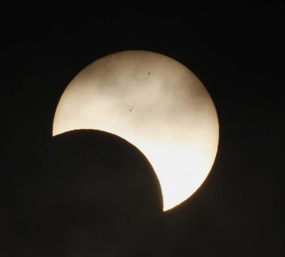 Are you a solar eclipse watcher fanatic who wants to see this years celestial phenomenon in Australia but unfortunately cant fly to Down Under because of varied seasons Theres still good news for you because Slooh Space Camera will broadcast a free, r