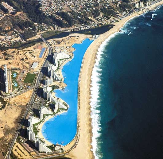 World's largest pool at San Alfonso del Mar resort in Chile. (Photo: Wikimedia Commons)