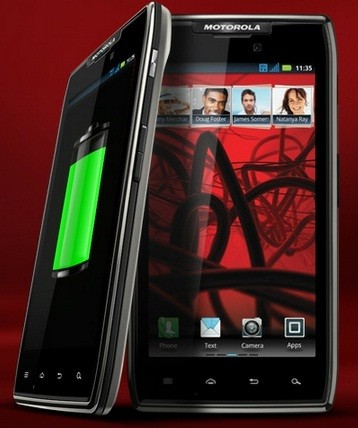 Sony Xperia U vs Motorola Razr Maxx: Which One Would You Buy?