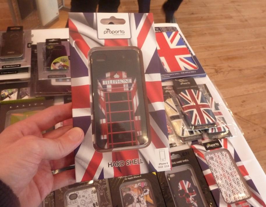 Proporta Releases British Telephone Box iPhone 4S Case