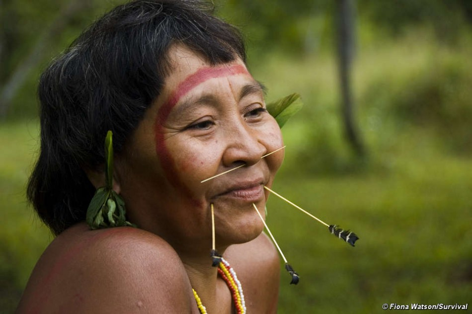 Rare Aerial Footage Showing Uncontacted Yanomami Indian