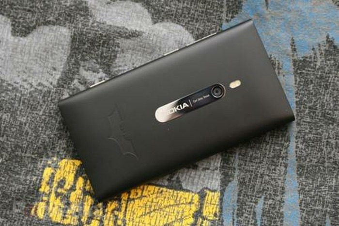 nokia lumia 900 batman limited edition handset