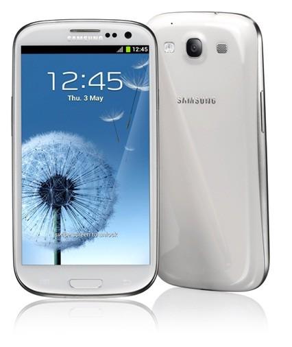 Samsung Galaxy S3 vs Motorola RAZR XT910