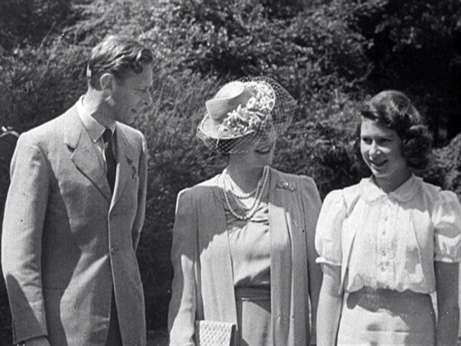 Diamond Jubilee Weekend Queen Elizabeths Rare Pictures Released