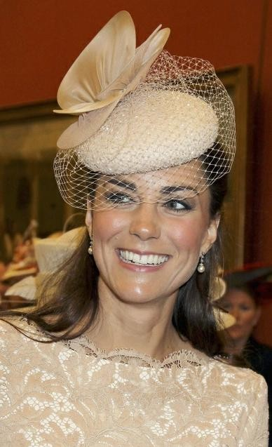 Kate Middleton Opts for fake earrings
