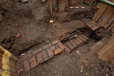 Shakespeare's Oldest Playhouse Where Romeo and Juliet was Staged Unearthed in East London