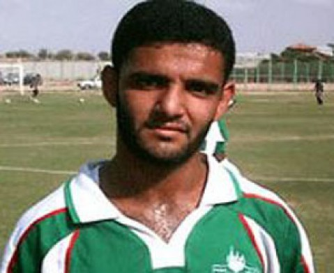 Israel agrees to release Palestinian footballer Mahmoud Sarsak in return for ending hunger strike