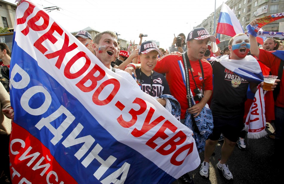 Russian fans arrive in Warsaw