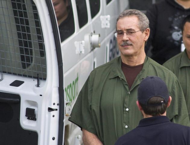 Allen Stanford leaves court in Houston, Texas