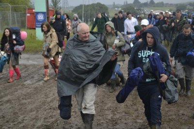 People trapped in mud and rain at the Isle of Wight festival